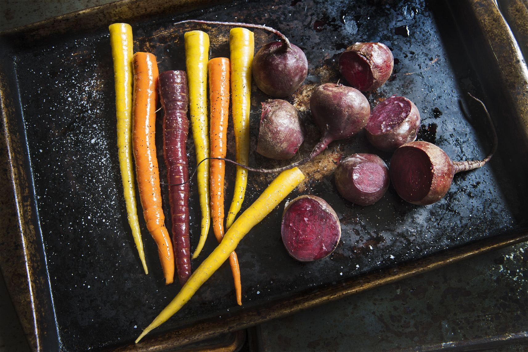 ZC8X5489 Beets and carrots_APF